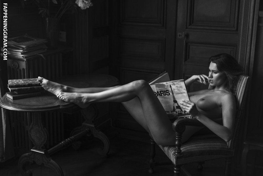 Karol Jaramillo Nude photo 15