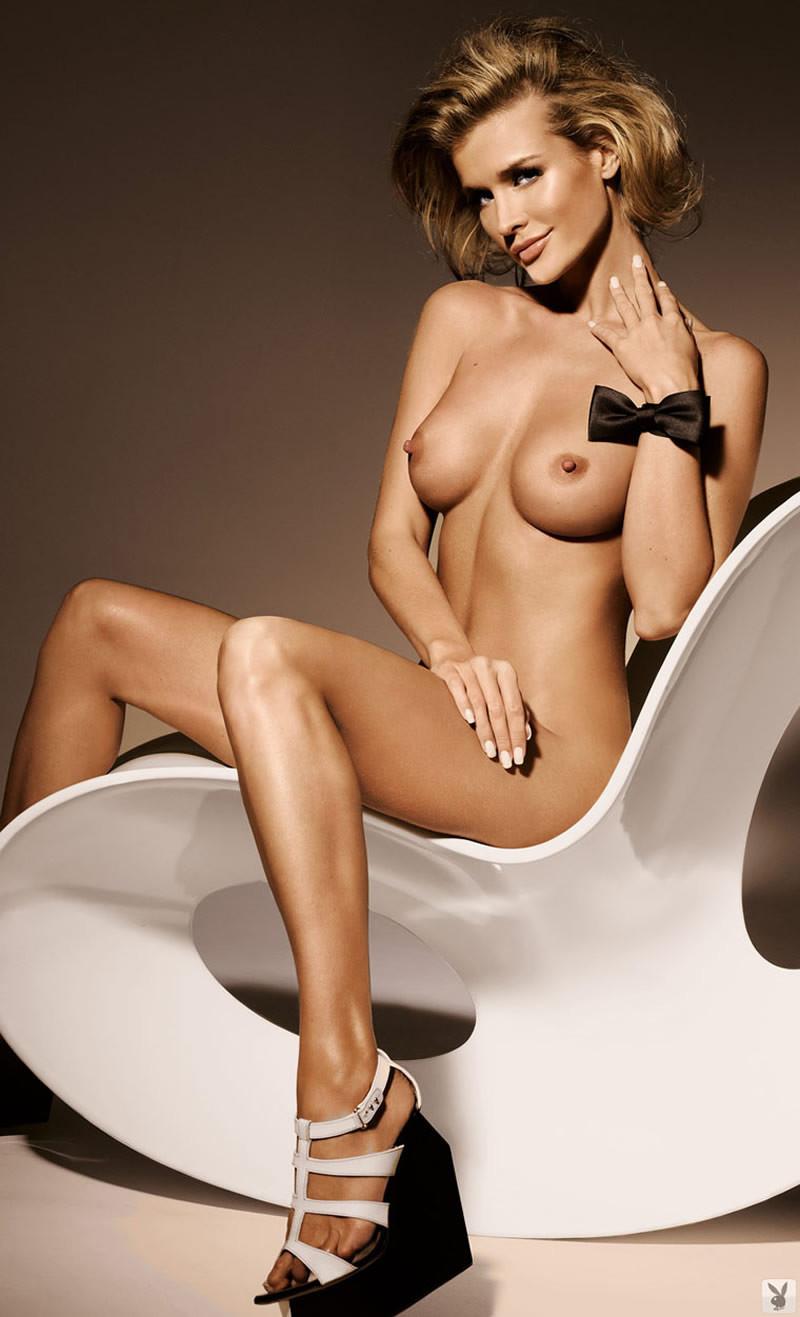 Joanna Nude Photoshoot photo 11