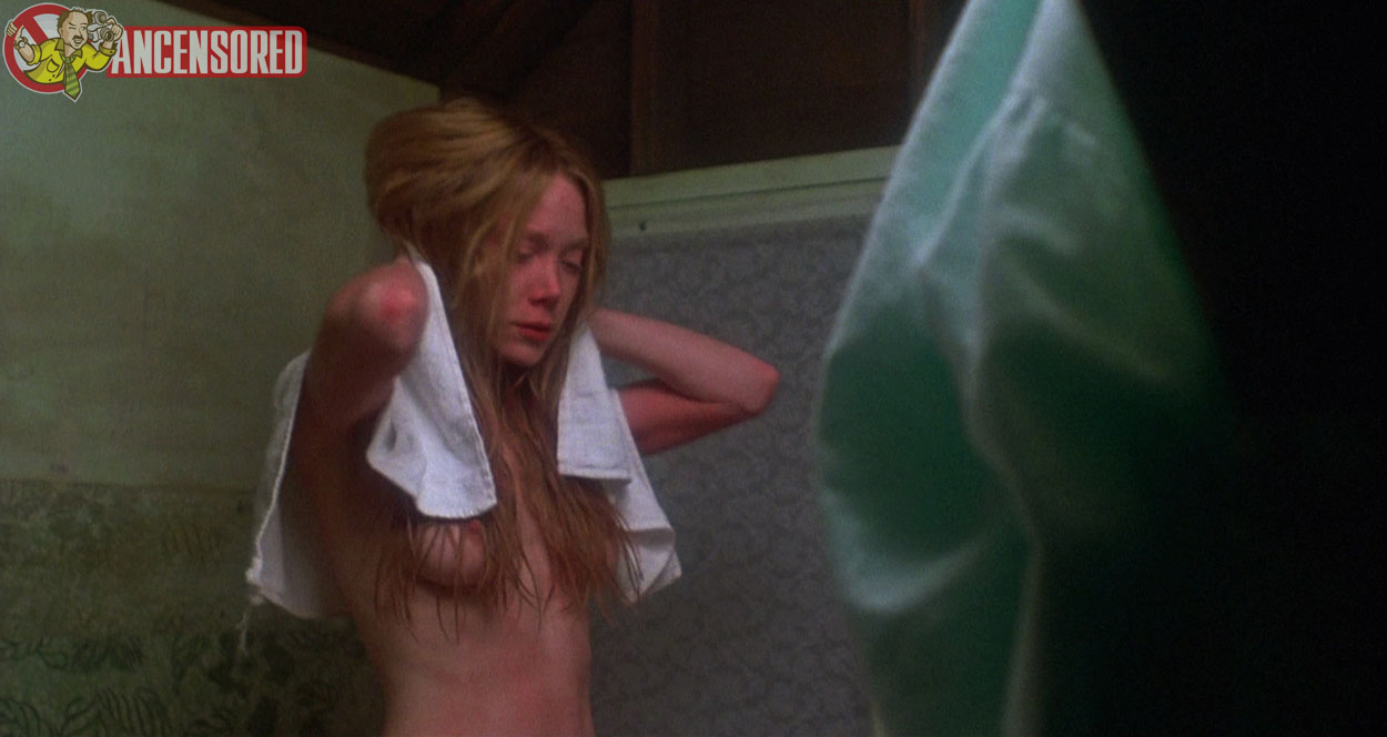 Carrie Nudity photo 6