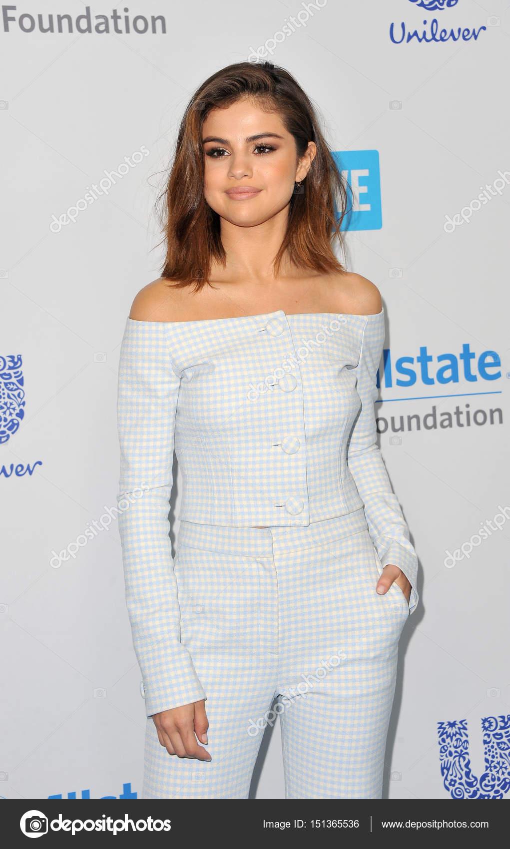 Selena Gomez Forum photo 8
