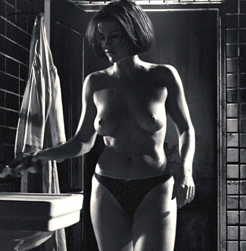 Carla Gugino Nipple photo 12