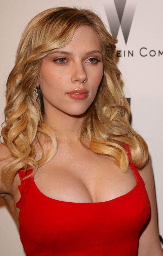 Scarlett Johansson Tit photo 8