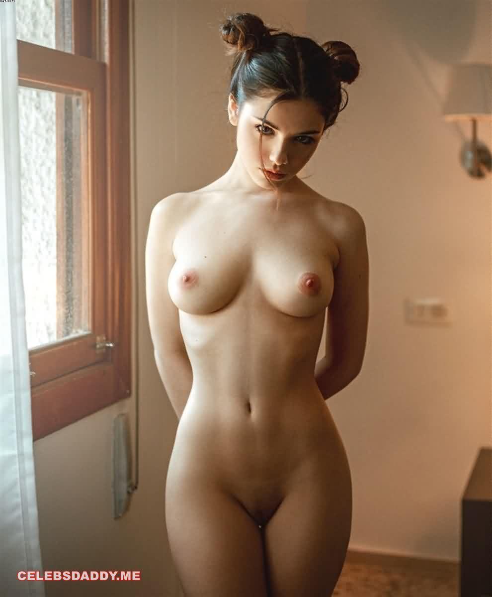 Emma Gonzalez Nudes photo 12