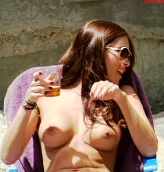 Jasmine Waltz Topless photo 3