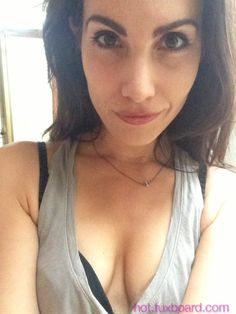 Carly Pope Sexy photo 17