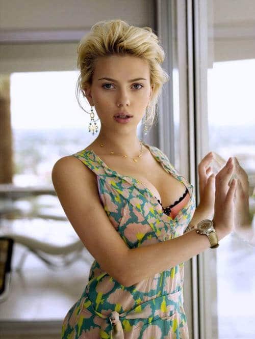 Scarlett Johansson Tit photo 6