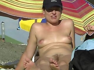 South Beach Topless Pictures photo 10