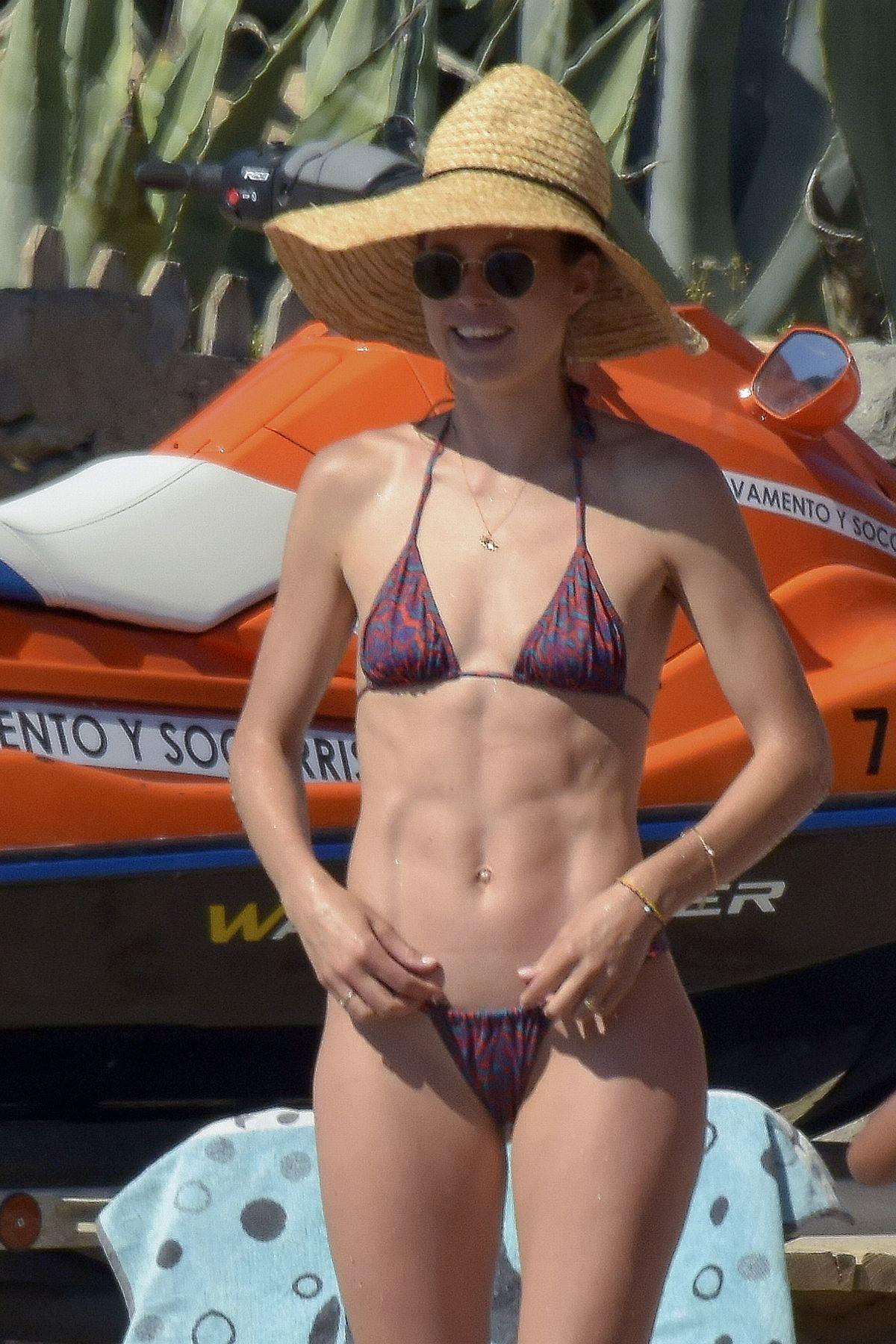 Doutzen Kroes Swimsuit photo 8
