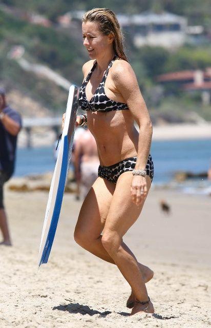 Tia Leoni Hot Pics photo 28
