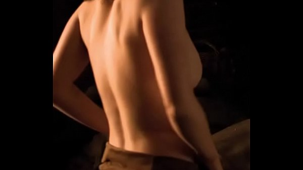 Maisie Williams Topless Game Of Thrones photo 17
