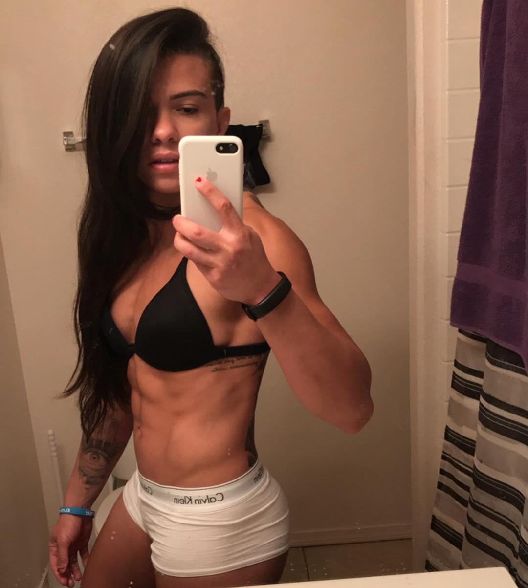 Claudia Gadelha Topless photo 14