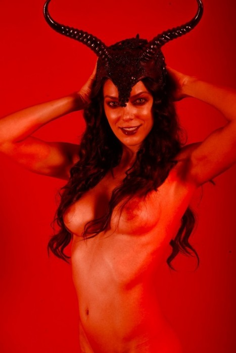 Adrianne Curry Tits photo 21