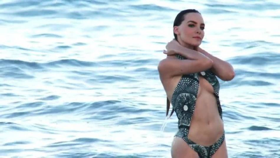 Belinda Topless photo 30