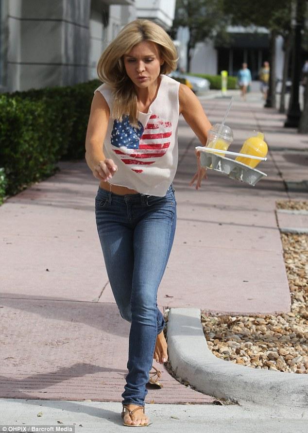 Joanna Krupa Feet photo 22