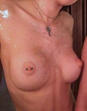 Bella Thorne Mude photo 15