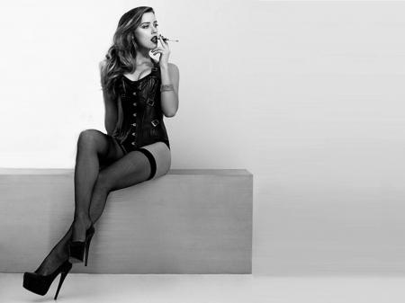 Amber Heard Lingerie photo 16
