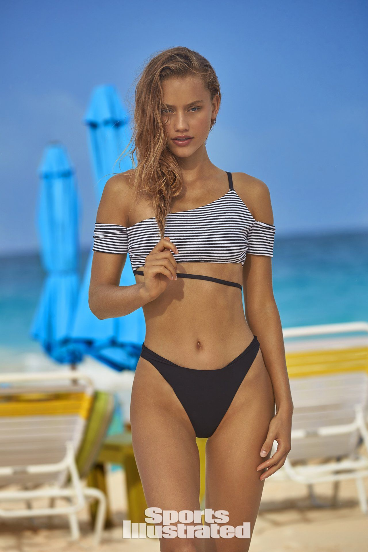 Chase Carter Swimsuit photo 20