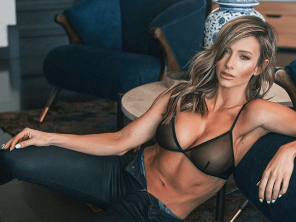 Does Paige Hathaway Have Butt Implants photo 13