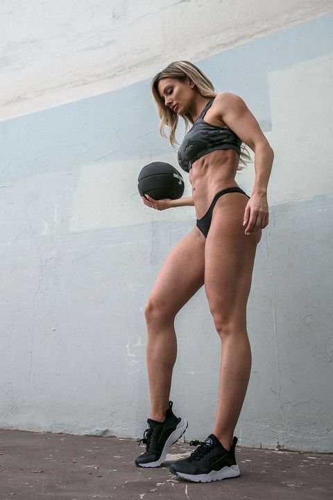 Does Paige Hathaway Have Butt Implants photo 11