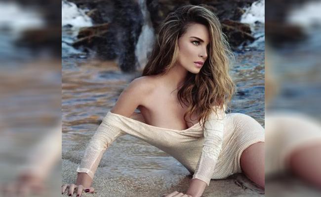 Belinda Topless photo 6