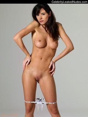 Elaine Topless photo 2