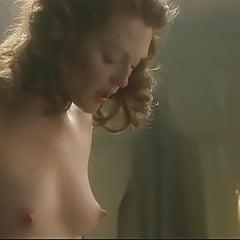 Juliana Moore Nude photo 16