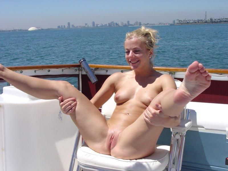 South Beach Topless Pictures photo 16