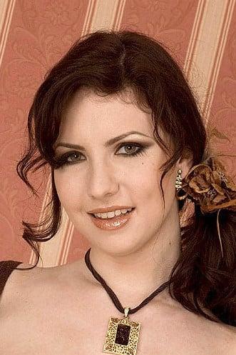 Karina Hart Photos photo 9