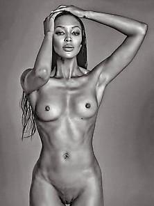 Naomi Topless photo 29