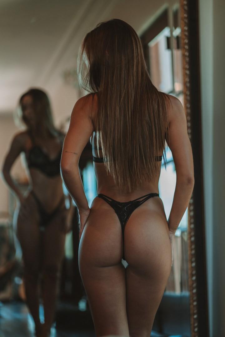 Nickygile Instagram Nude photo 1