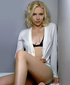 Scarlett Johansson Tit photo 15