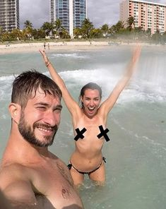 South Beach Topless Pictures photo 9